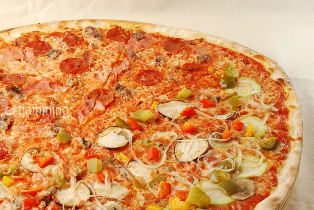 Pizzeria Jacomax 的大薄脆 Pizza
